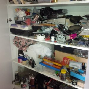 hoarder cleaning